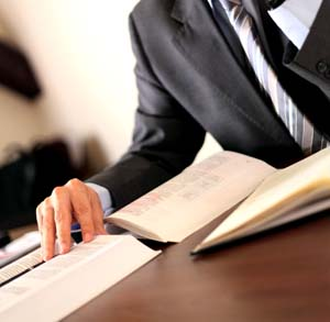 Choose the right criminal attorney